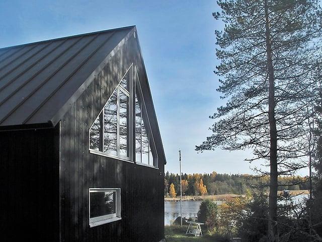 Jyrkkäkattoinen Saaristolaistalo Vaasassa (3).jpg