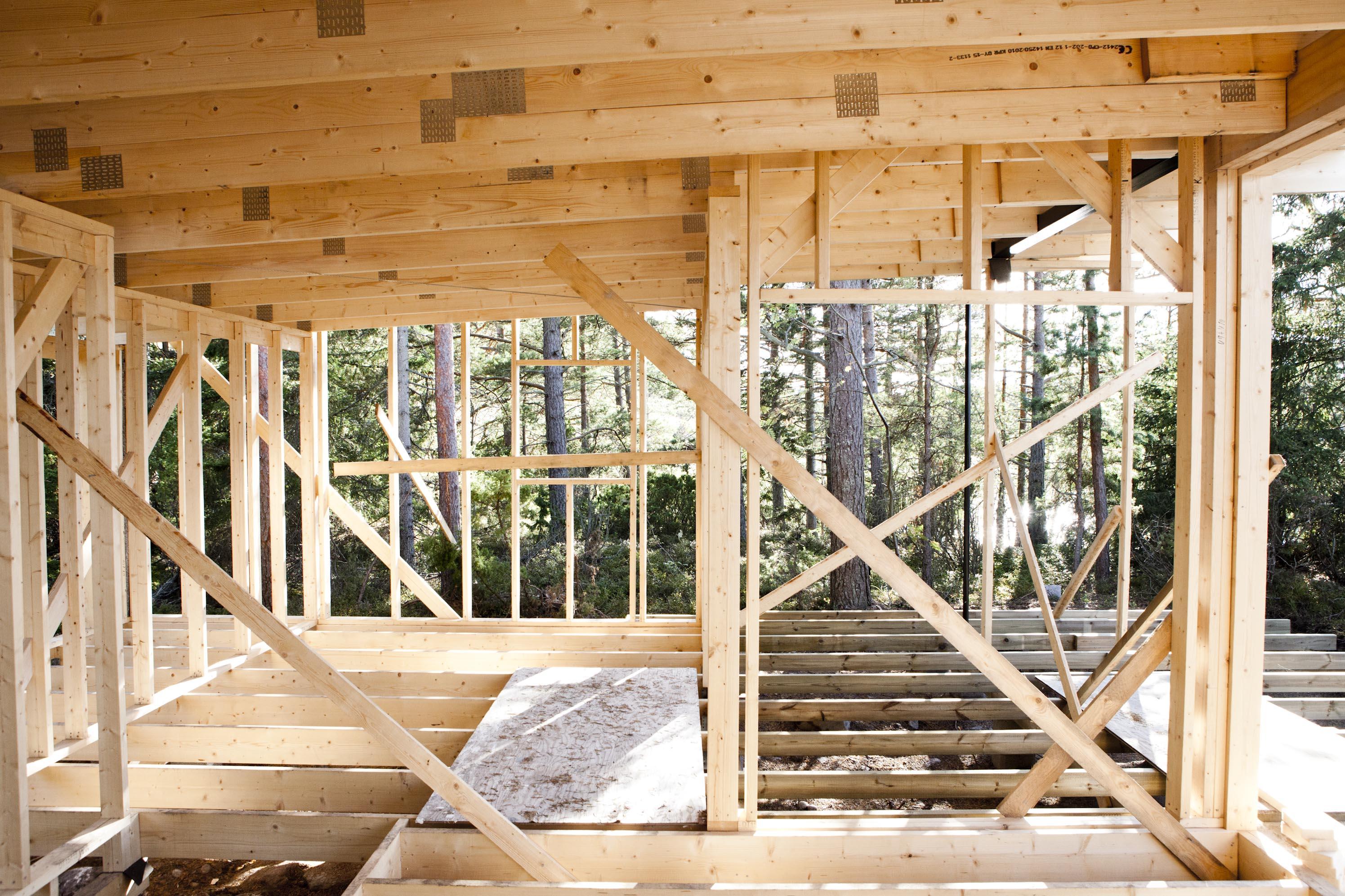 Voinko rakentaa taloni itse?