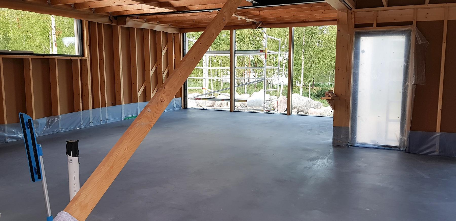 Kaikki-vaiheet-kuivasirotelattia-mikrosementtilattia-betonilattia-valmistamiseen-12
