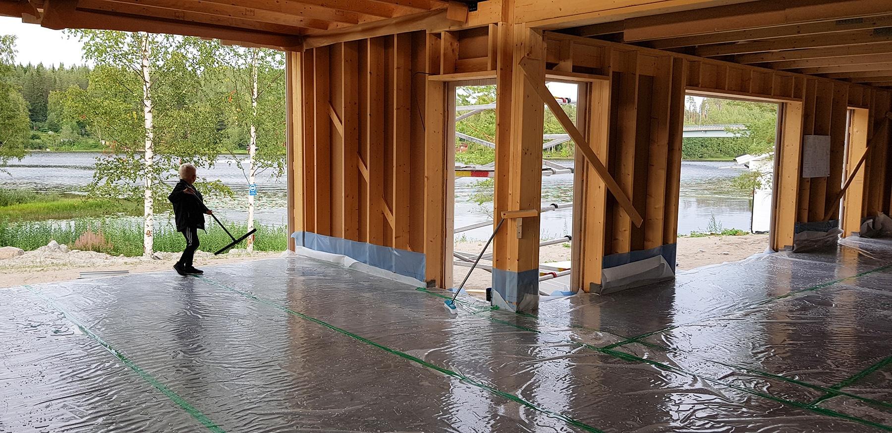 Kaikki-vaiheet-kuivasirotelattia-mikrosementtilattia-betonilattia-valmistamiseen-9