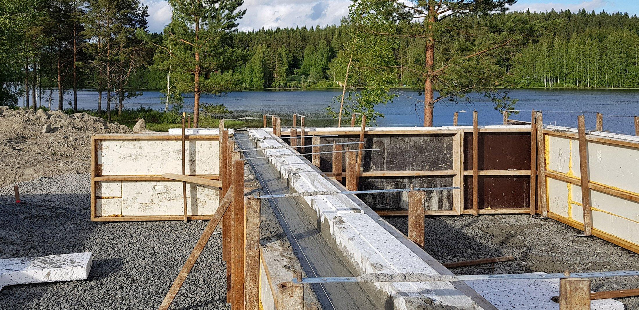 Omakotitalon rakentaminen-perustukset