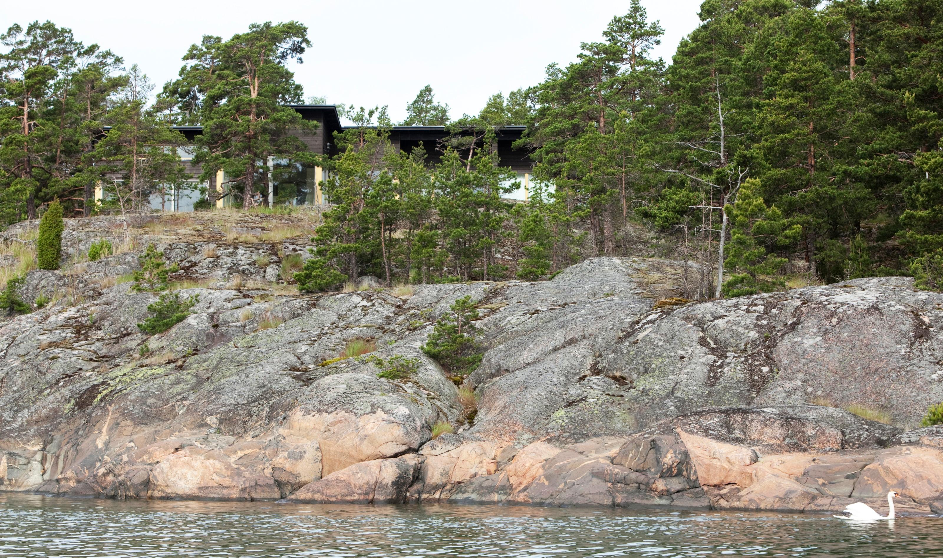 Huvila ja saunatupa Strömsön saaressa