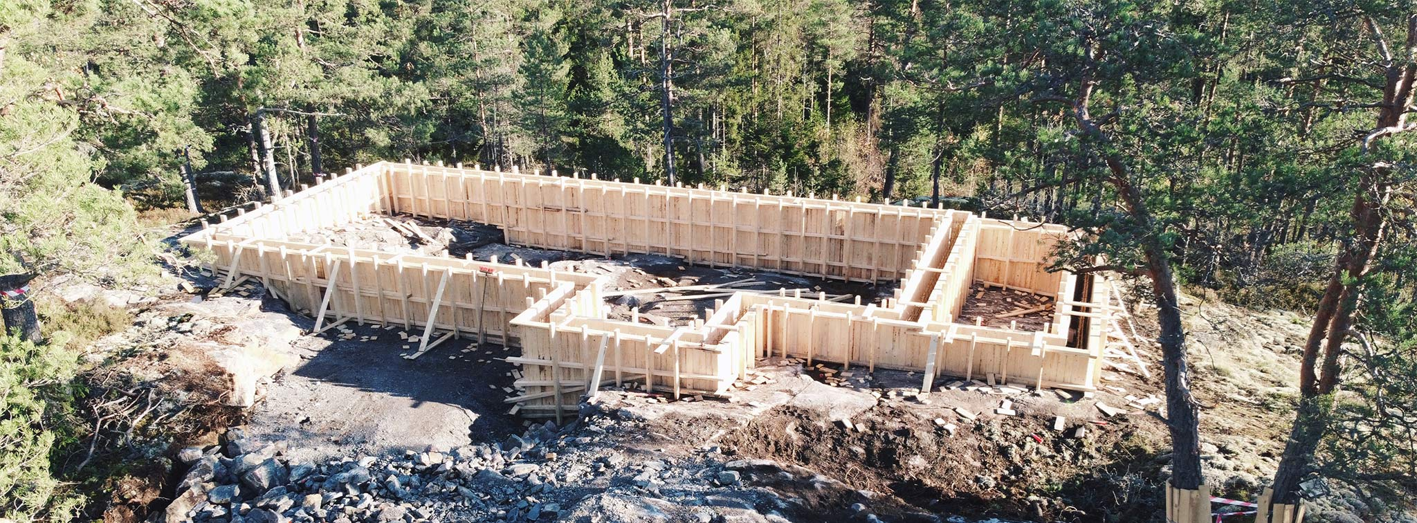 Detached house foundations